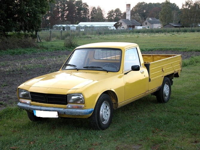 https://www.spaccer.com/fileadmin/bilder/fahrzeuge/2465_Peugeot_504_Pick_Up.jpg